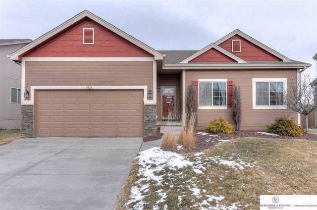 7921 S 190th Avenue, Omaha, NE 68136 (MLS #22001418) :: Coldwell Banker NHS Real Estate