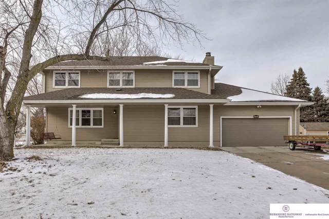 1000 Suzanne Avenue, Papillion, NE 68046 (MLS #22001444) :: Coldwell Banker NHS Real Estate
