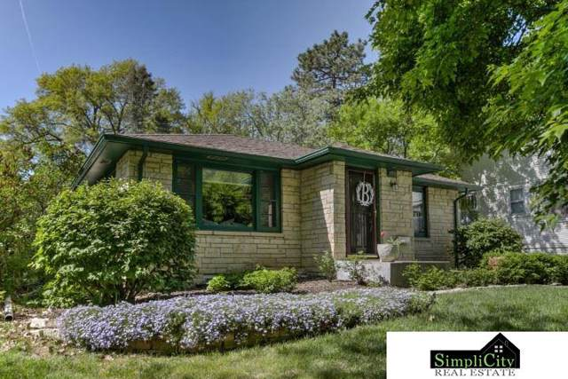 2639 Woodsdale Boulevard, Lincoln, NE 68502 (MLS #22001495) :: Cindy Andrew Group