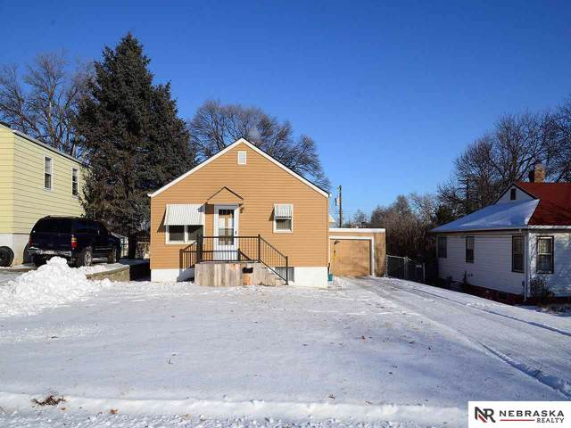 6012 Ruggles Street, Omaha, NE 68104 (MLS #22001573) :: Capital City Realty Group