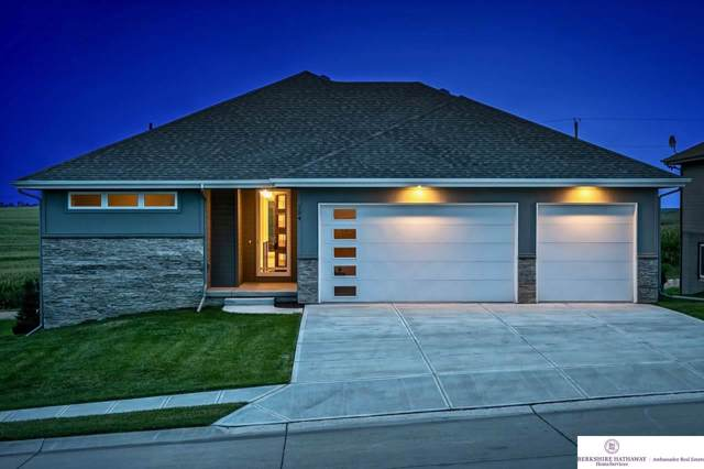 124 Broken Arrow Circle, Yutan, NE 68073 (MLS #22001574) :: Stuart & Associates Real Estate Group