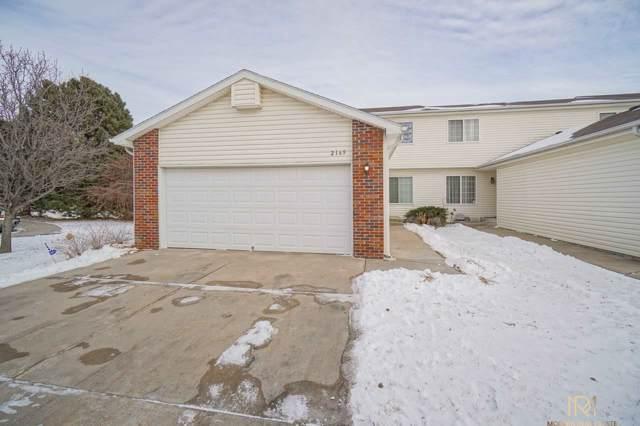 2169 Kingswood Circle, Lincoln, NE 68521 (MLS #22001663) :: Coldwell Banker NHS Real Estate