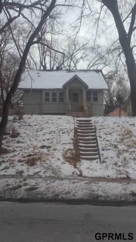 5815 N 42 Street, Omaha, NE 68111 (MLS #22001675) :: Coldwell Banker NHS Real Estate