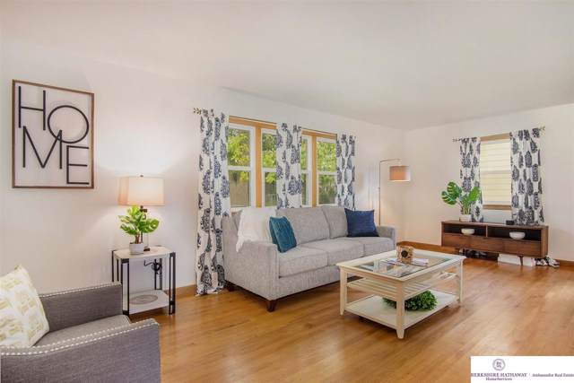 7714 Parker Street, Omaha, NE 68114 (MLS #22001906) :: Omaha's Elite Real Estate Group