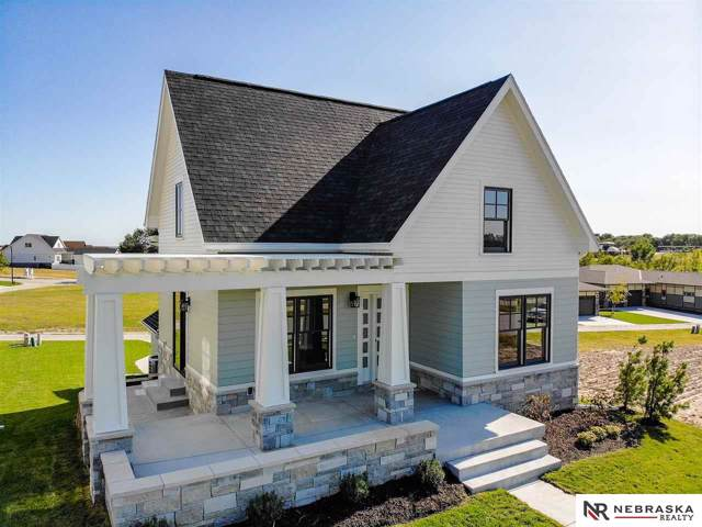 725 Penrose Drive, Lincoln, NE 68521 (MLS #22002154) :: Coldwell Banker NHS Real Estate