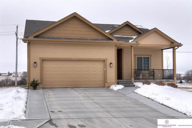 18615 Robin Drive, Omaha, NE 68136 (MLS #22002168) :: kwELITE