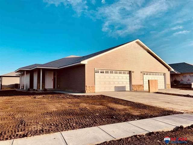 3526 Holly Blue Drive, Lincoln, NE 68504 (MLS #22002697) :: kwELITE