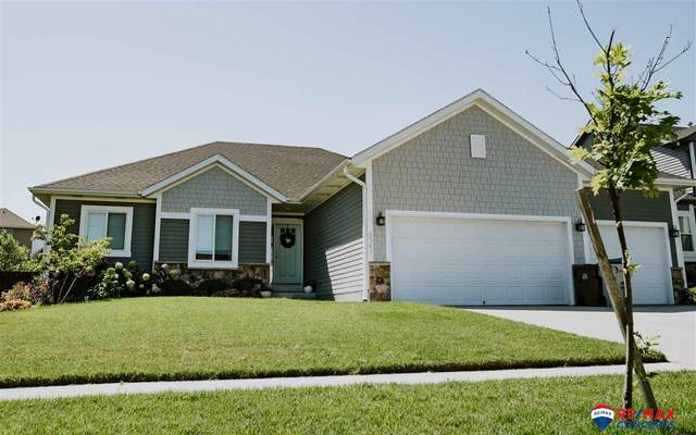 8341 Emery Lane, Lincoln, NE 68516 (MLS #22002806) :: Dodge County Realty Group