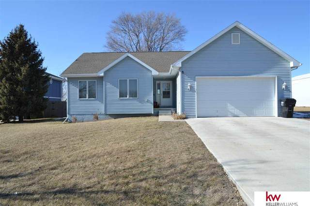 9814 Rock Creek Road, Plattsmouth, NE 68048 (MLS #22002922) :: kwELITE