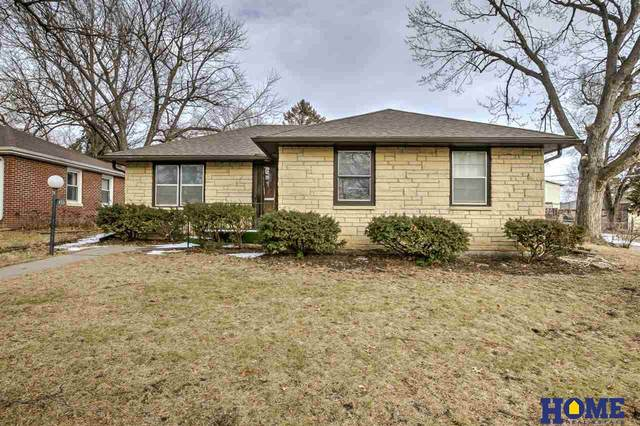 1850 S 49th Street, Lincoln, NE 68506 (MLS #22002946) :: Capital City Realty Group