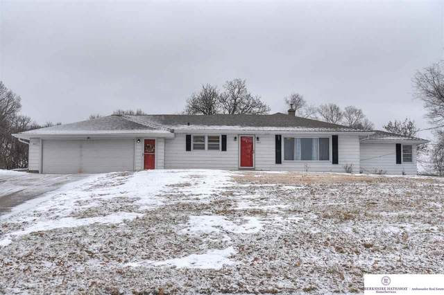 6831 N 60 Street, Omaha, NE 68152 (MLS #22002967) :: The Briley Team
