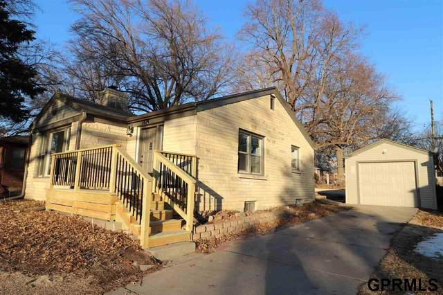 1824 S 49th Street, Lincoln, NE 68506 (MLS #22003198) :: Capital City Realty Group