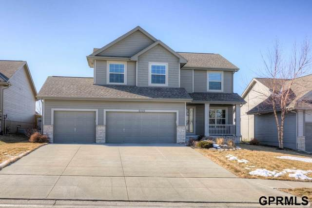 8226 N 162 Street, Bennington, NE 68007 (MLS #22003378) :: Cindy Andrew Group