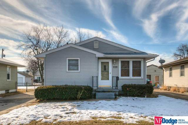 3015 5th Avenue, Council Bluffs, IA 51501 (MLS #22003418) :: Complete Real Estate Group