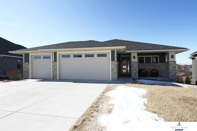 9449 Wishing Well Drive, Lincoln, NE 68516 (MLS #22003453) :: Cindy Andrew Group