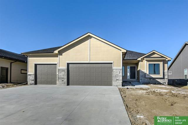 5819 Opus Drive, Lincoln, NE 68526 (MLS #22003457) :: Dodge County Realty Group