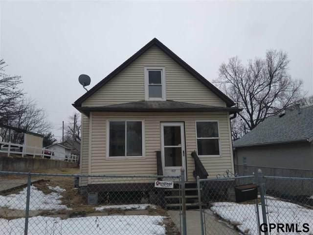 1527 Madison Street, Omaha, NE 68107 (MLS #22003469) :: Dodge County Realty Group