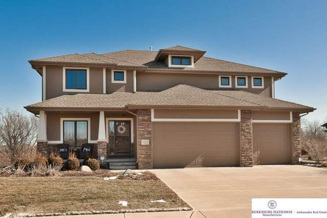 5725 S 239th Street, Omaha, NE 68022 (MLS #22003541) :: The Briley Team