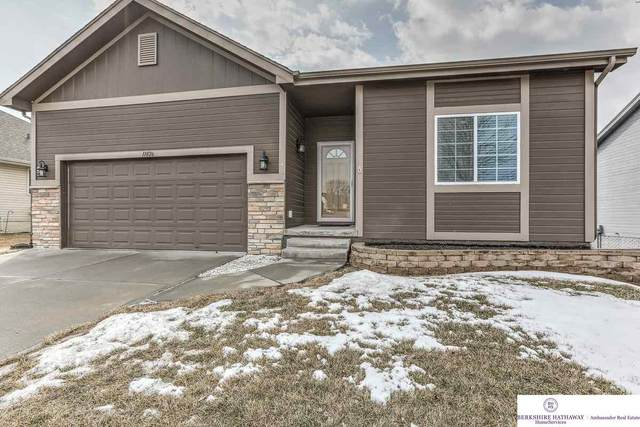 11826 S 211 Street, Gretna, NE 68028 (MLS #22003675) :: Complete Real Estate Group