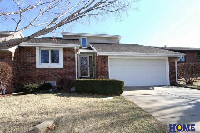 934 Rockhurst Drive, Lincoln, NE 68510 (MLS #22003697) :: Capital City Realty Group