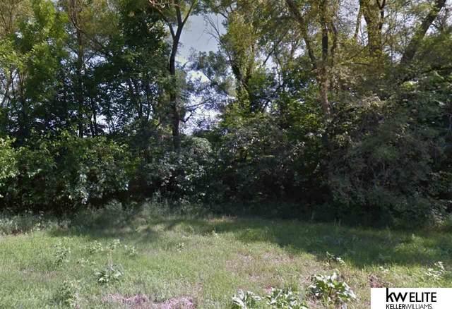 3338 Weber Street, Omaha, NE 68112 (MLS #22003733) :: Omaha Real Estate Group