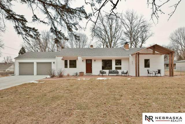 651 S 85th Street, Omaha, NE 68114 (MLS #22003788) :: Complete Real Estate Group