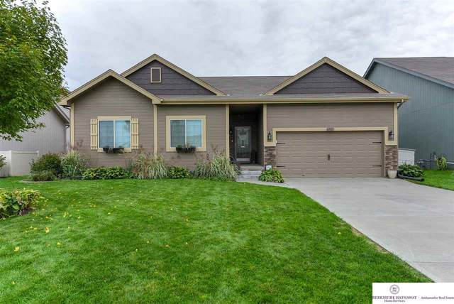 4307 Waterford Avenue, Bellevue, NE 68123 (MLS #22003789) :: kwELITE