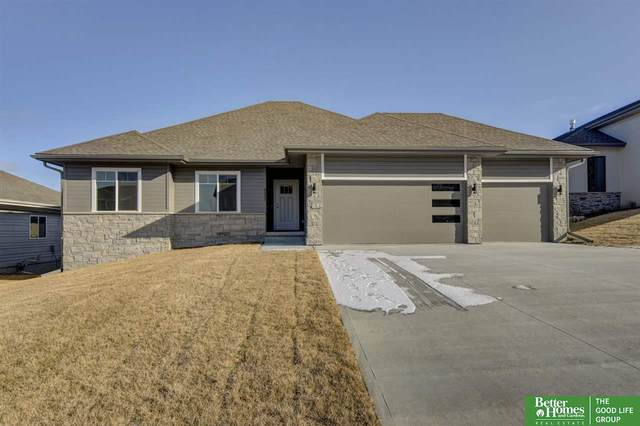 9916 S 181 Street, Gretna, NE 68136 (MLS #22003848) :: Dodge County Realty Group