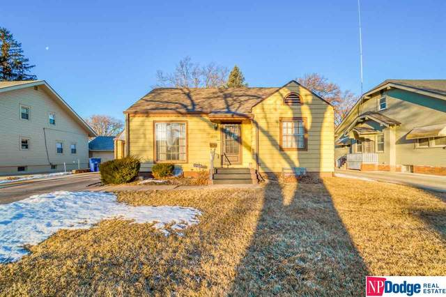 1735 N Broad Street, Fremont, NE 68025 (MLS #22003854) :: The Briley Team