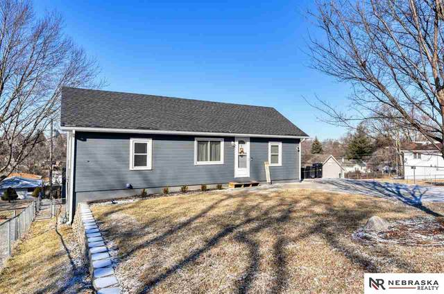 5818 S 50th Street, Omaha, NE 68117 (MLS #22003885) :: Stuart & Associates Real Estate Group