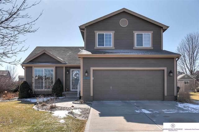827 Fenwick Street, Papillion, NE 68046 (MLS #22003923) :: Stuart & Associates Real Estate Group