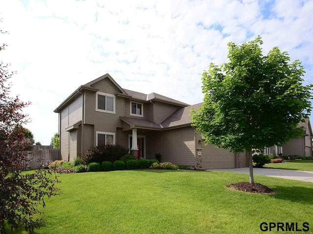8013 N 163 Street, Bennington, NE 68007 (MLS #22003936) :: Cindy Andrew Group