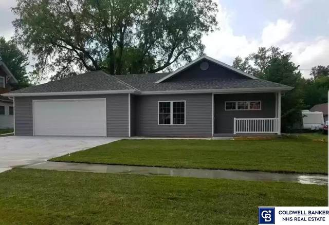 913 N Blackburn Avenue, York, NE 68467 (MLS #22003966) :: Complete Real Estate Group