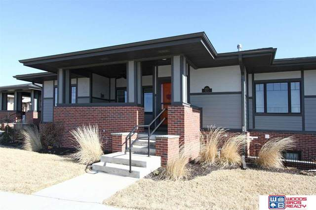 6912 NW 7th Street, Lincoln, NE 68521 (MLS #22003972) :: The Briley Team