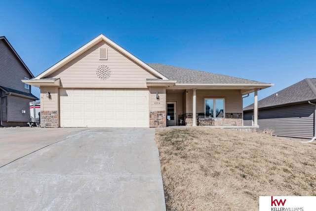 4304 Edgerton Drive, Bellevue, NE 68123 (MLS #22004027) :: Complete Real Estate Group