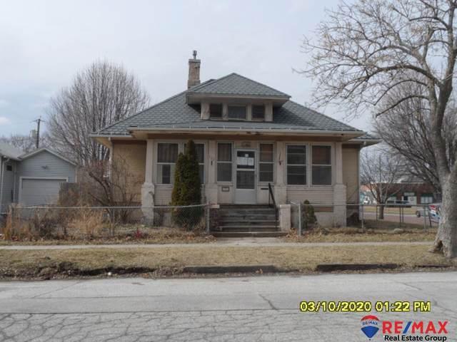702 Bluff Street, Council Bluffs, IA 51503 (MLS #22004066) :: kwELITE