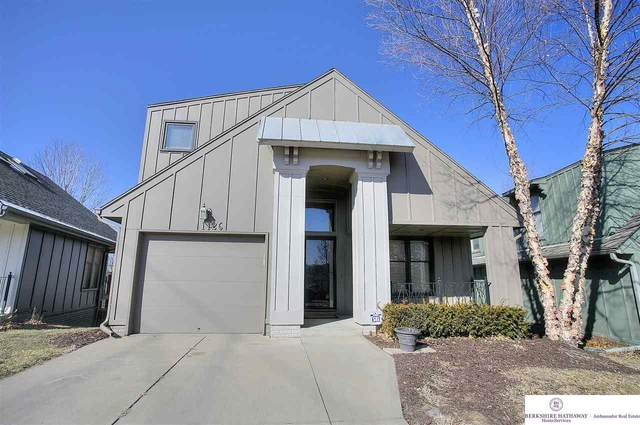 1126 S 15 Circle, Omaha, NE 68108 (MLS #22004156) :: Complete Real Estate Group
