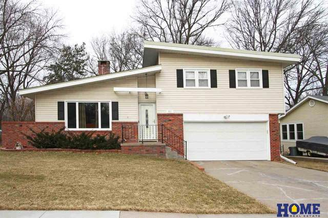 921 Cottonwood Drive, Lincoln, NE 68510 (MLS #22004322) :: Cindy Andrew Group