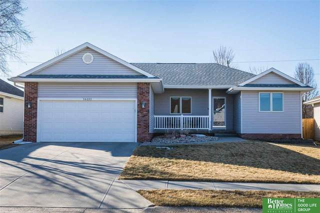 16211 Greenleaf Street, Omaha, NE 68136 (MLS #22004371) :: Complete Real Estate Group