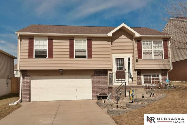 17814 Olive Street, Omaha, NE 68136 (MLS #22004406) :: The Briley Team