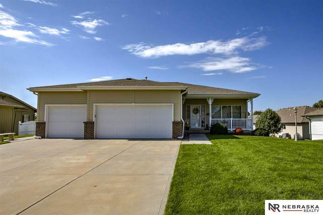 410 S 10th Avenue, Springfield, NE 68059 (MLS #22004474) :: Complete Real Estate Group