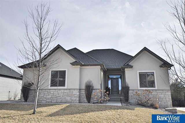 9525 Cotswold Lane, Lincoln, NE 68526 (MLS #22004692) :: Dodge County Realty Group
