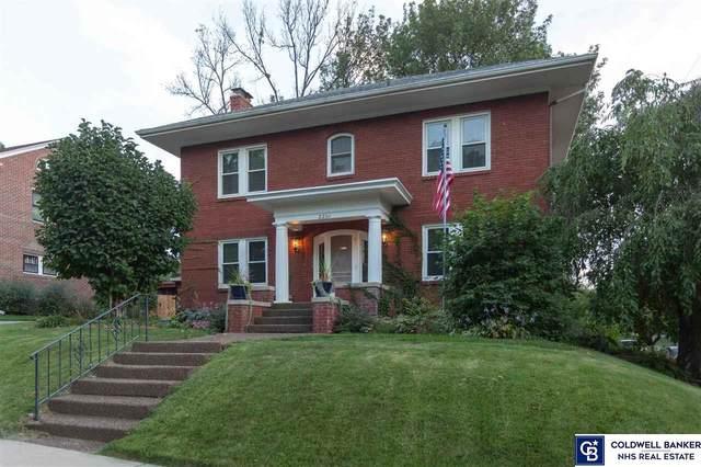 2201 Harrison Drive, Lincoln, NE 68502 (MLS #22004769) :: Lincoln Select Real Estate Group