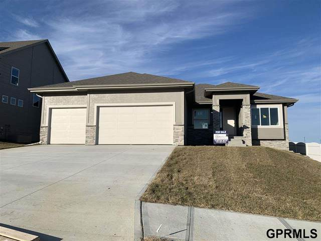 18358 Merion Drive, Omaha, NE 68136 (MLS #22004786) :: Complete Real Estate Group