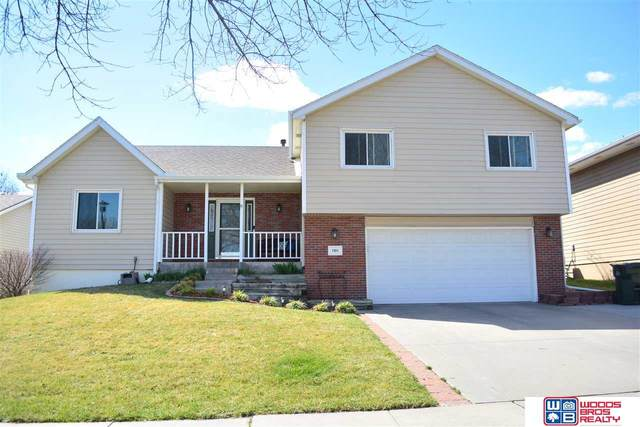 7011 S 32nd Street, Lincoln, NE 68516 (MLS #22005066) :: Cindy Andrew Group