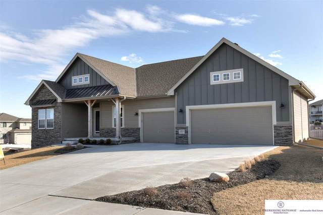 18809 Boyd Street, Omaha, NE 68022 (MLS #22005105) :: Complete Real Estate Group