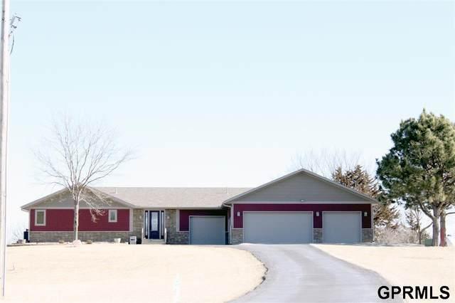 9590 Pine Crest Road, Blair, NE 68008 (MLS #22005149) :: Dodge County Realty Group