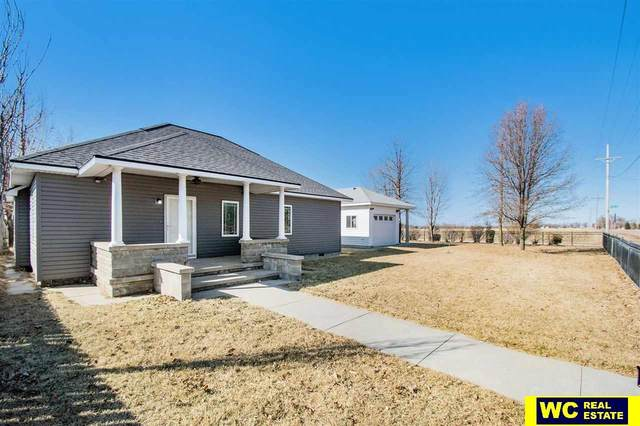 12318 N 225th Street, Valley, NE 68064 (MLS #22005154) :: kwELITE