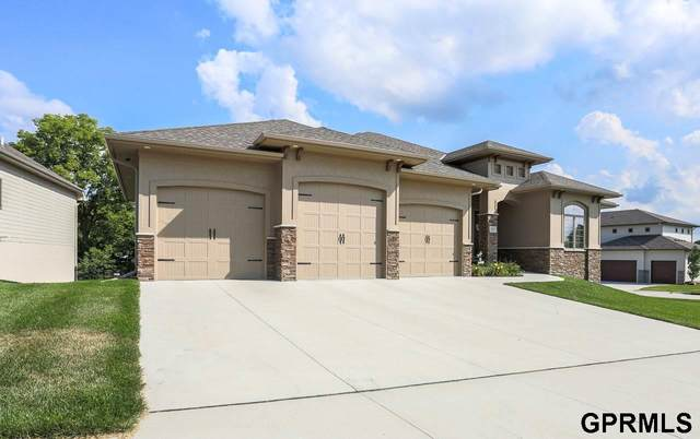 1453 S Larchmont Drive, Council Bluffs, IA 51503 (MLS #22005201) :: Dodge County Realty Group