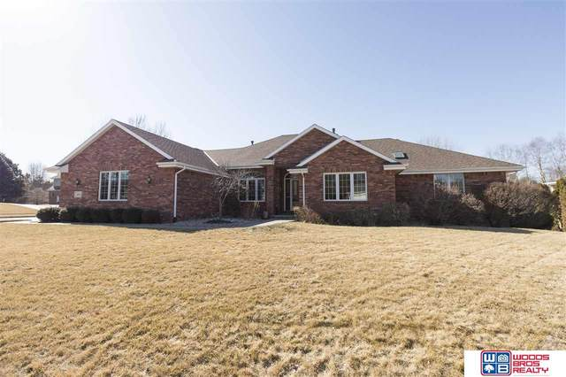 6421 Rolling Hills Boulevard, Lincoln, NE 68512 (MLS #22005219) :: Dodge County Realty Group